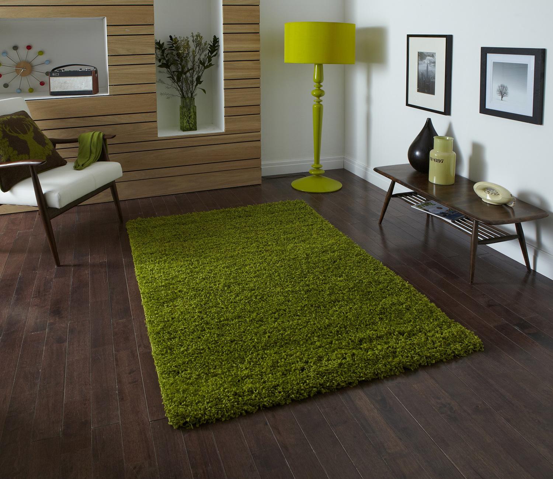 green rug green lamp